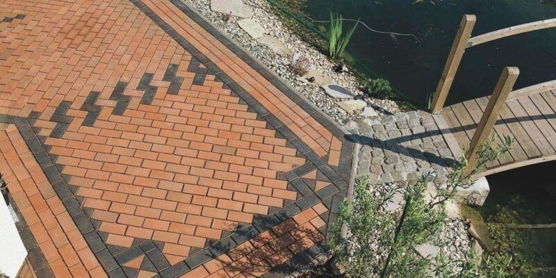 Строим бассейн из клинкерных блоков